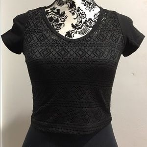 Bozzolo crop crochet front top